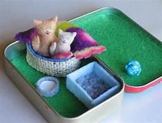 altoid tin cat playset tiny felt stuffed animals animalitos de fieltro pinterest
