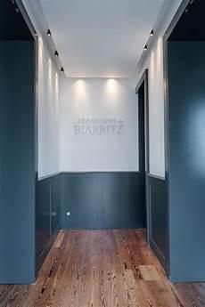 revetement mural couloir soubassement gris parquet couloir en 2019