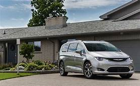 2017 Chrysler Pacifica  Engine And Transmission Review