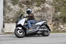 Essai Honda Forza 125 Maniable Et Agile