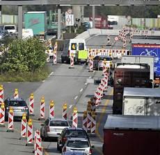 Baustellen Warum In Deutschland So Langsam Gebaut Wird Welt