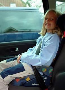 Adac Test Kinder Auch Auf Dem Beifahrersitz Sicher