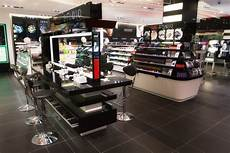 10 things only a true sephora addict will understand
