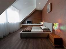 schlafzimmer einrichten mit schräge schlafzimmer mit dachschr 228 ge gestalten 23 wohnideen