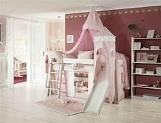 kinderzimmer mit hochbett moby prinzessinnen kinder hochbett mit rutsche weiss rosa