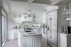 Armoire De Cuisine Blanche Chic Et Style Laval Montr 233 Al
