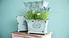 foto vasi vasi in metallo stile per i tuoi fiori dalani e ora