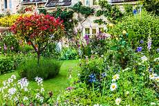 how to create a classic english country cottage garden what to plant where to plant it and