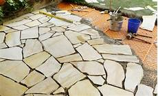terrassenplatten verlegen so terrassenplatten verlegen so geht s terrassenplatten
