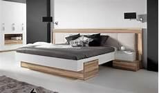 chambre adulte avec rangement tete de lit tete de lit