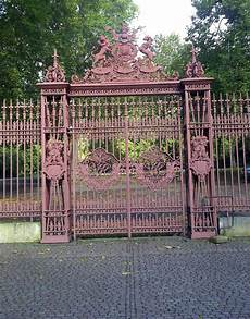 paint colors gates paint colors for iron gates and fences gardenista