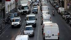 blocage autoroute a7 manifestation des forains dans le centre de marseille