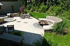 Design Feuerstelle Garten - cast iron pit landscape craftsman with curb appeal