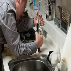 prix d un plombier tarif horaire d un plombier et par travaux
