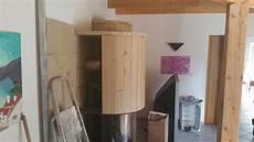 kaminverkleidung selber bauen kamineinsatz mit grenaisol rundformteilen kamineinsatz