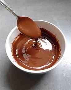 fondre chocolat micro onde chocolat fondu au micro ondes chocolable