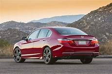 honda accord kombi 2017 the motoring world usa the honda accord sport has been named the 2017 best sedan by