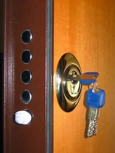 come cambiare serratura porta sostituzione serrature treviso assistenza apertura porte