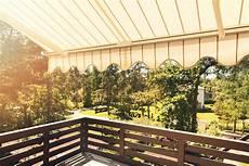 toile store exterieur jardin mettez vous 224 l ombre avec osyla cocon d 233 co