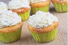 crema con farina di cocco cupcake al cioccolato bianco con crema al cocco ricetta cioccolato bianco ricette con