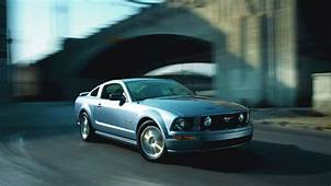2005 Ford Mustang GT Wallpapers & HD Images  WSupercars