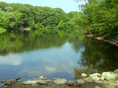 file hill s pond monotomy rocks park arlington massachusetts jpg wikimedia commons