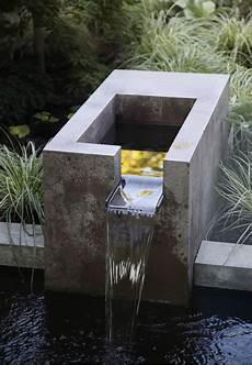 Wasserfall Garten Modern - gartenideen wasserfall beton modern ziergr 228 ser