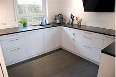 küche matt weiß kuche schwarz matt dsc zum ansprechend design ianewinc