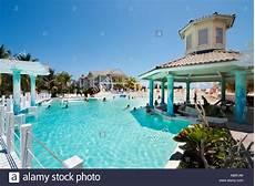 up pool größen pool and swim up pool bar hotel tryp peninsula
