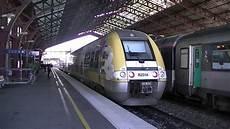 Croisement De Deux Trains Sncf En Gare De Troyes