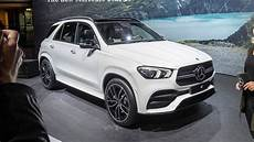 2020 mercedes gle shows its luxurious side in debut