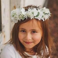 Coiffure Fille Mariage Avec Couronne De Fleurs