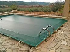 couverture hivernage piscine comment hiverner sa piscine hors sol