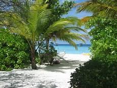 Malvorlagen Meer Und Strand Japan Bild Quot Strand Palmen Und Meer Quot Zu Summer Island Maldives