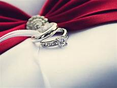 engagement ring etiquette answering rather rude questions