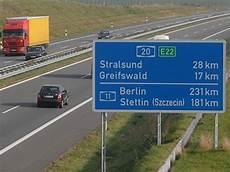 Unfall Auf Der Autobahn Raser Haften Nur Bedingt Berlin De