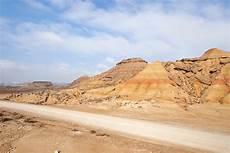 desert des bardenas en voiture de san sebastian au d 233 sert des bardenas road trip chocodisco
