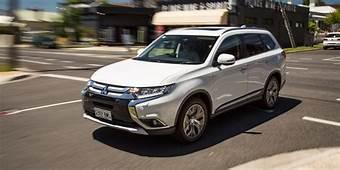 2017 Mitsubishi Outlander Exceed Petrol Review  Photos