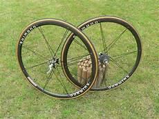 roue velo de route roue de velo route occasion le v 233 lo en image