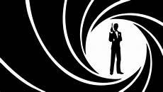 Bond Survey Finds Favor For Black 007 But Not A