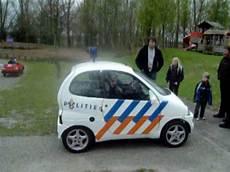 auto in gemieteter garage sonische politie auto korps winschoten