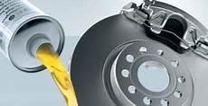 revisar el liquido de frenos coche euromaster
