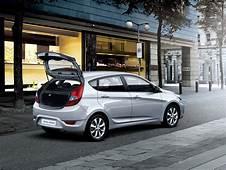Solaris Hatchback / 1st Generation Hyundai