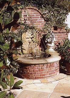Ziegelbrunnen Mit Sandsteinelementen Garten Ideen