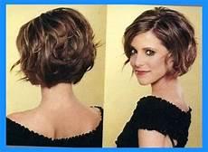 12 feminine short hairstyles for wavy hair easy everyday