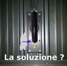 rinforzare porta protezione archivi serrature sicure per basculanti e