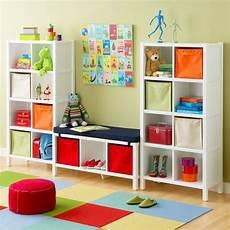 regale kinderzimmer babyzimmer gestalten mit offenen regalen ordnung und
