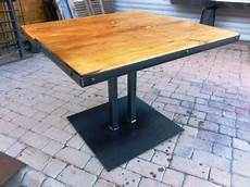 table pied central metal bois style industriel resto