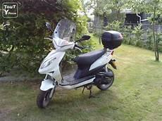 A Vendre Scooter Beeline Veloce 25cc Ath 7800