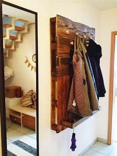 Die Besten 25 Garderobe Aus Paletten Ideen Auf